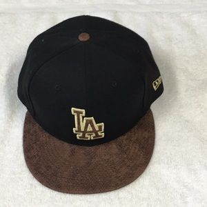 NEW ERA   LOS ANGELES  LAKERS MLB GOLD SNAKE HAT